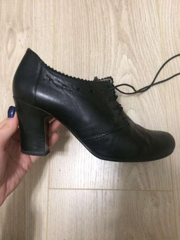 Женские закрытые туфли кожаные чёрного цвета на каблуке1 ... 8c7008ae454e7