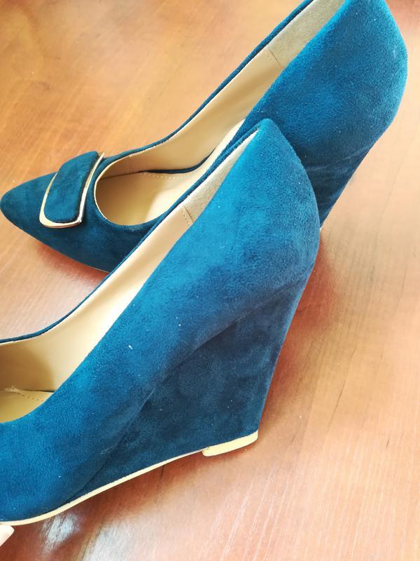 21a48cfb8 Темно-синие женские туфли на танкетке carla, цена - 575 грн ...