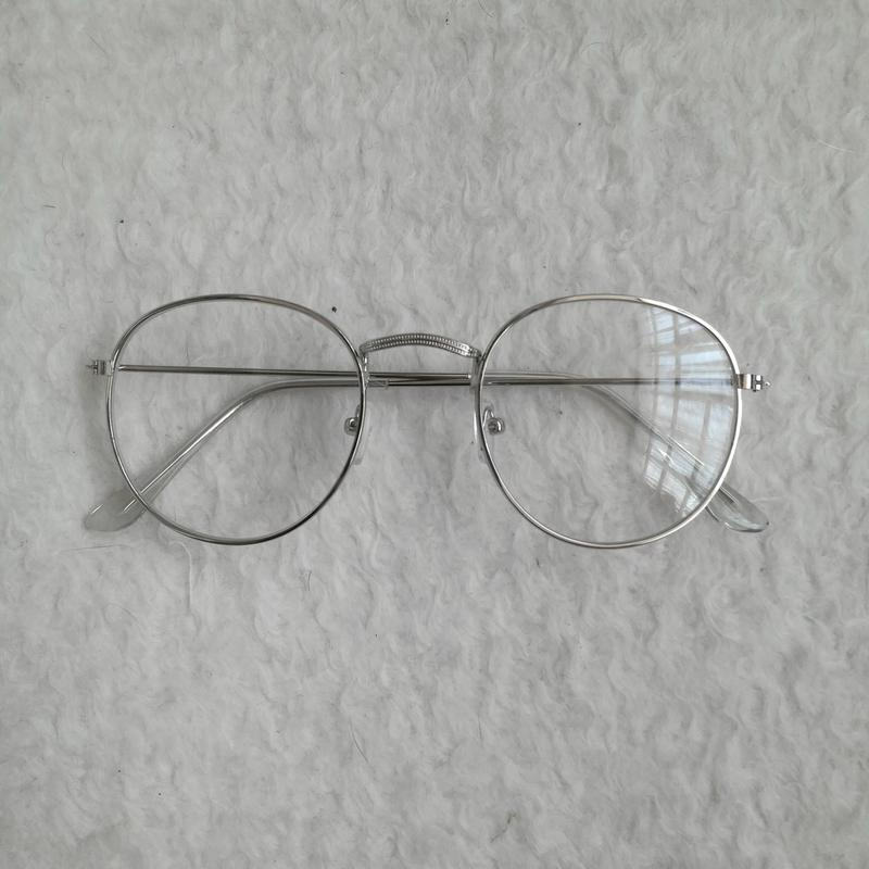 Очки с серебряной оправой