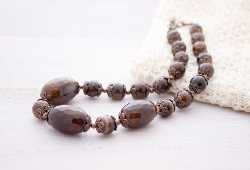 Граненные бусы из натуральных камней