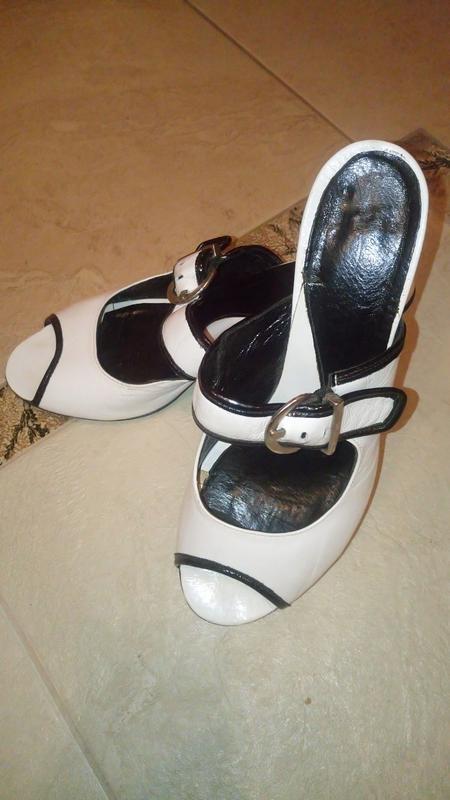 Жіноче взуття. 3b166db611177