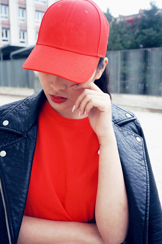 Девушки в красной кепке