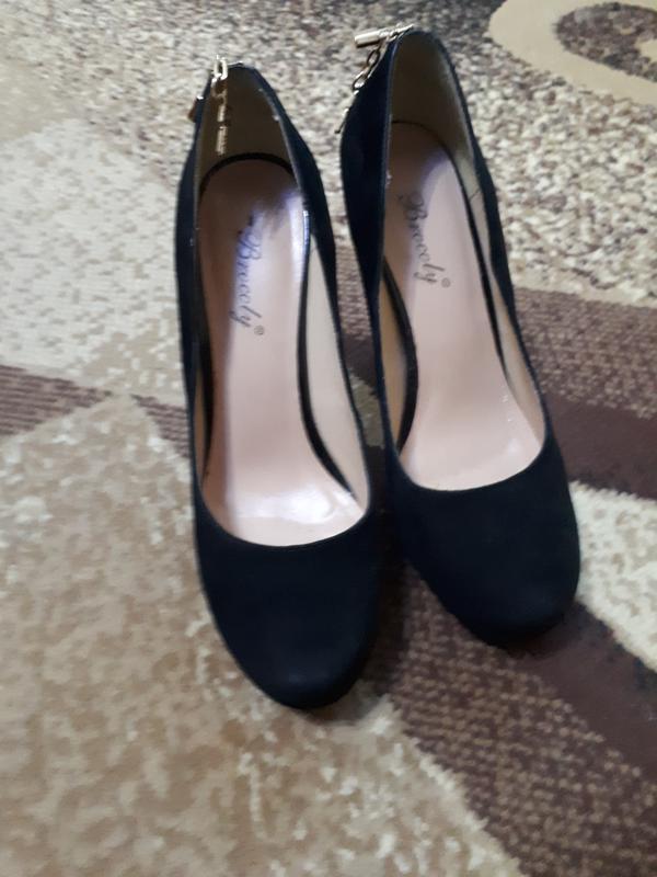 84f78211233196 Дуже красиві туфлі на високому каблуку з натуральної замші.1 фото ...