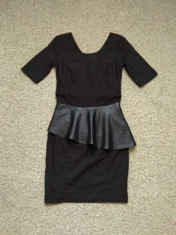 89be0a56924 Платье летнее черное reserved с баской1 фото ...