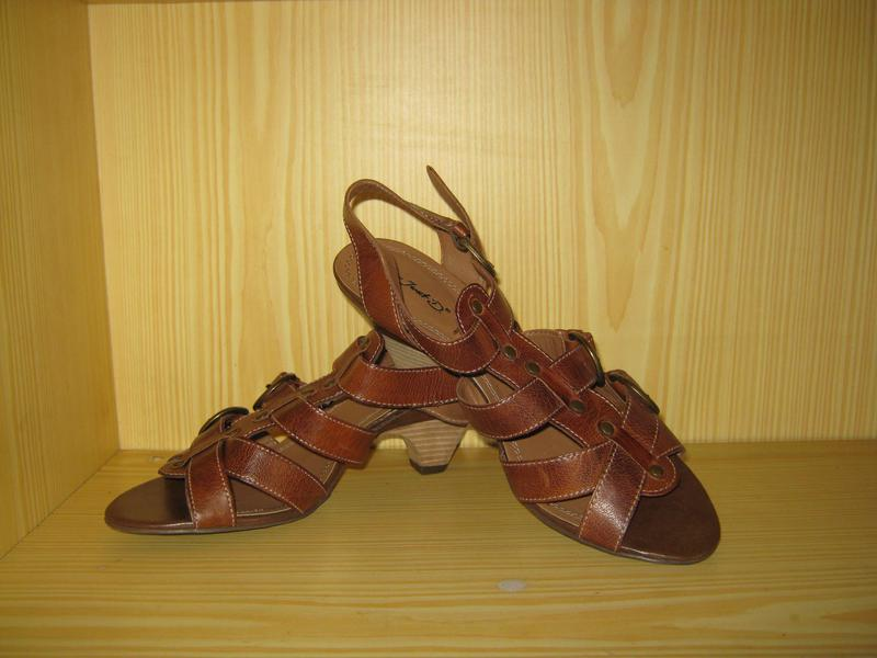 d062656a2678 Классные кожаные босоножки janet d, р.41.. Janet D, цена - 699 грн ...