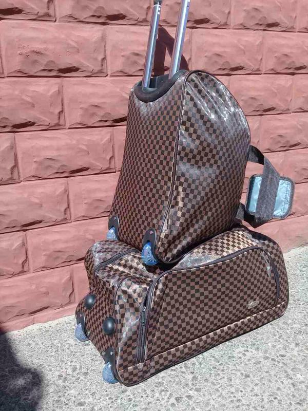 ce82c35ee4c6 Дорожная сумка на колёсах с ручкой, валіза дорожня! сумка чемодан! хит 2018!