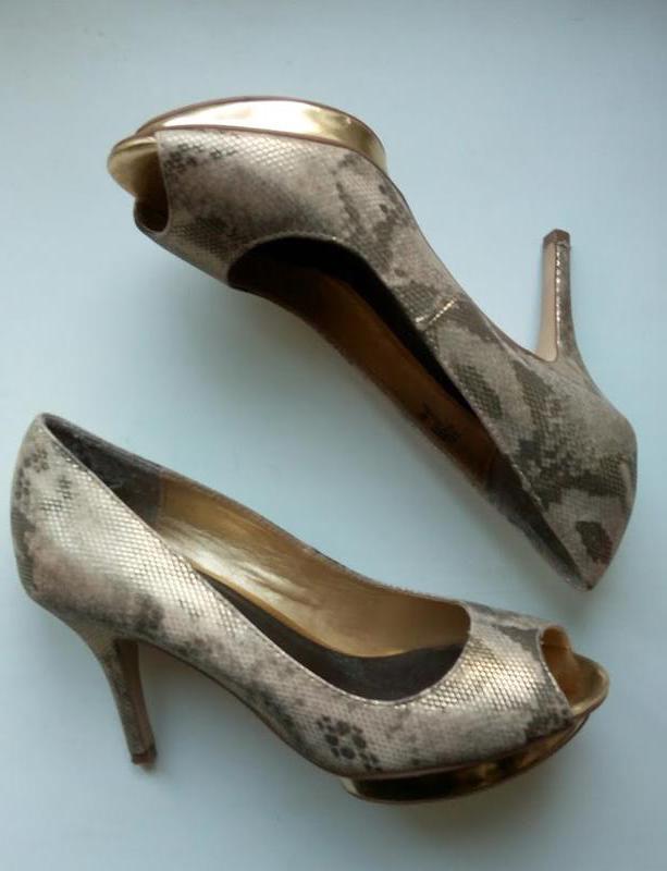 Летние туфли с открытым носком под змеиную кожу золотистые next Next ... 79f88c959e4