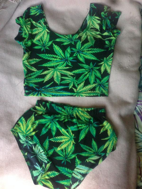Заказать одежду с марихуаной коломна конопля