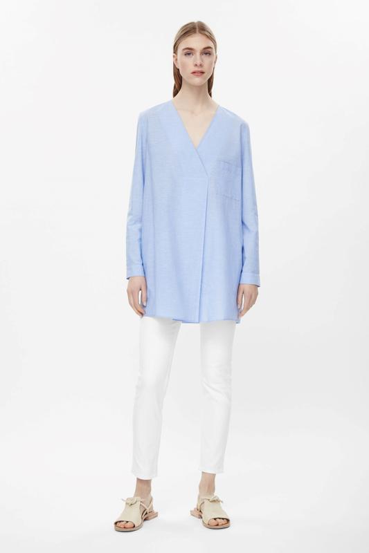 d24008f5d202 Хлопковая рубашка туника с v- вырезом оверсайз от cos COS, цена ...