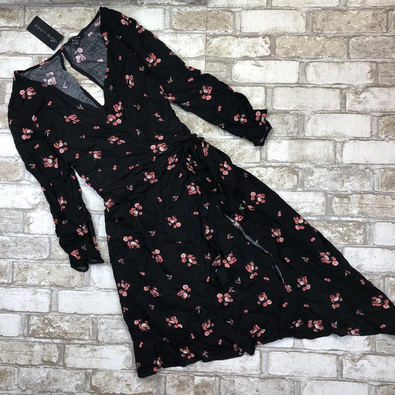 Нереальное платье на запах из вискозы в цветочный принт dd9d3733ef1f6