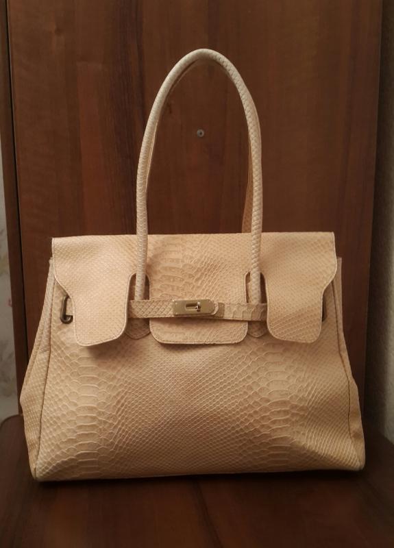 Статусная кожаная сумка текстура под питон цвета nude италия Hermes ... 4f07023cb49