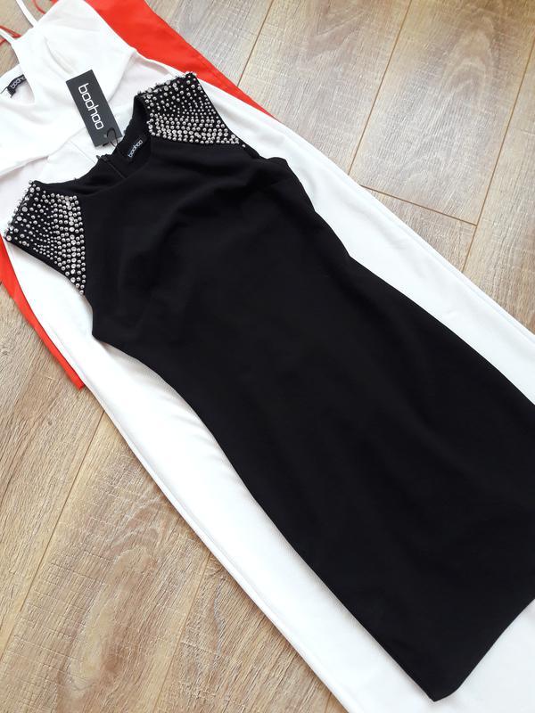 Чорне плаття з обшитими камінням плечиками Boohoo b40a87231a1be