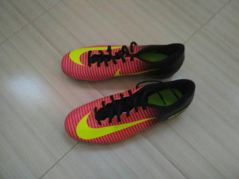 Брендовые мужские кроссовки для футбола бутсы nike mercurial Nike ... 2c19beacf65