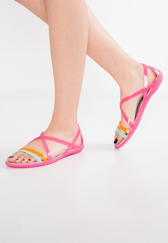 581ed6aee60f4 Босоножки crocs isabella cutout strappy sandal women´s Crocs, цена ...