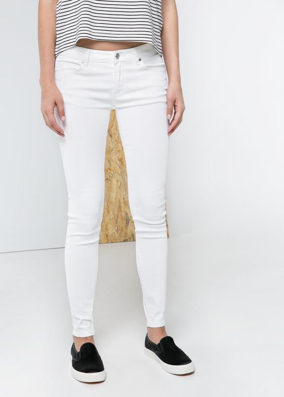 dac2ce2386a Skiny h m белые джинсы 361 фото ...