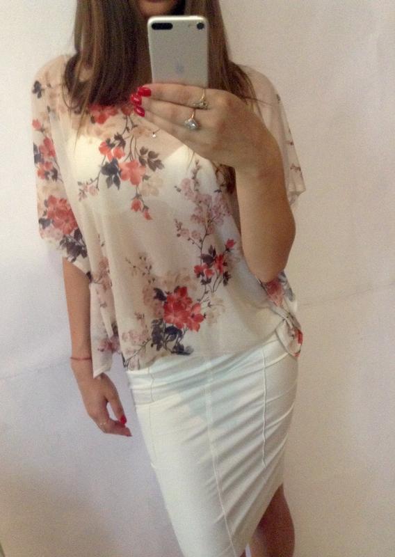 91c67add31b Оригинальная блузка в цветочный принт Moda International