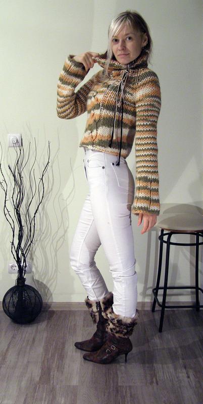 578bd12cc5d Шерстяной свитер с большим горлом Hand Made