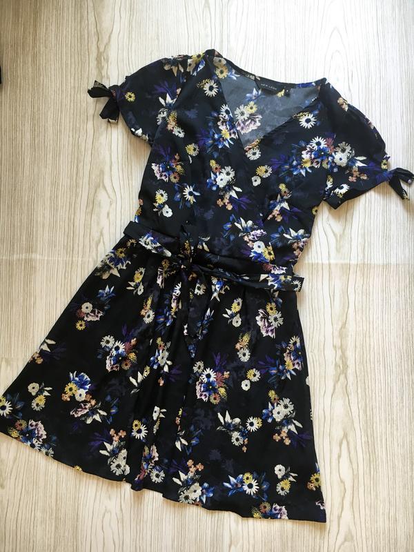 Новое платье на запах темно-синего цвета в цветочный принт New Look ... bc3a1038156a4