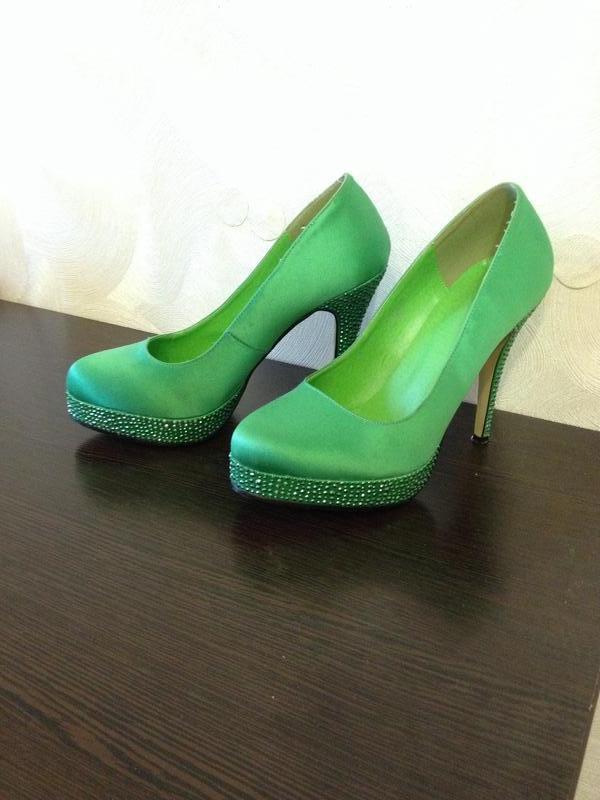 Насыщенно зеленые туфли со стразами Blossem, цена - 400 грн ... 6a8c024bfb2