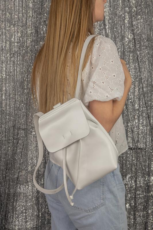 8a4f8458aa77 Кожаный рюкзак ручной работы маленький белый рюкзак стильный рюкзак1 фото  ...