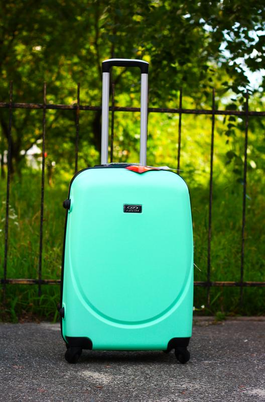 a49d1cc64284 Качество! средний чемодан пластиковый валіза середня пластикова якісна!  доставка1