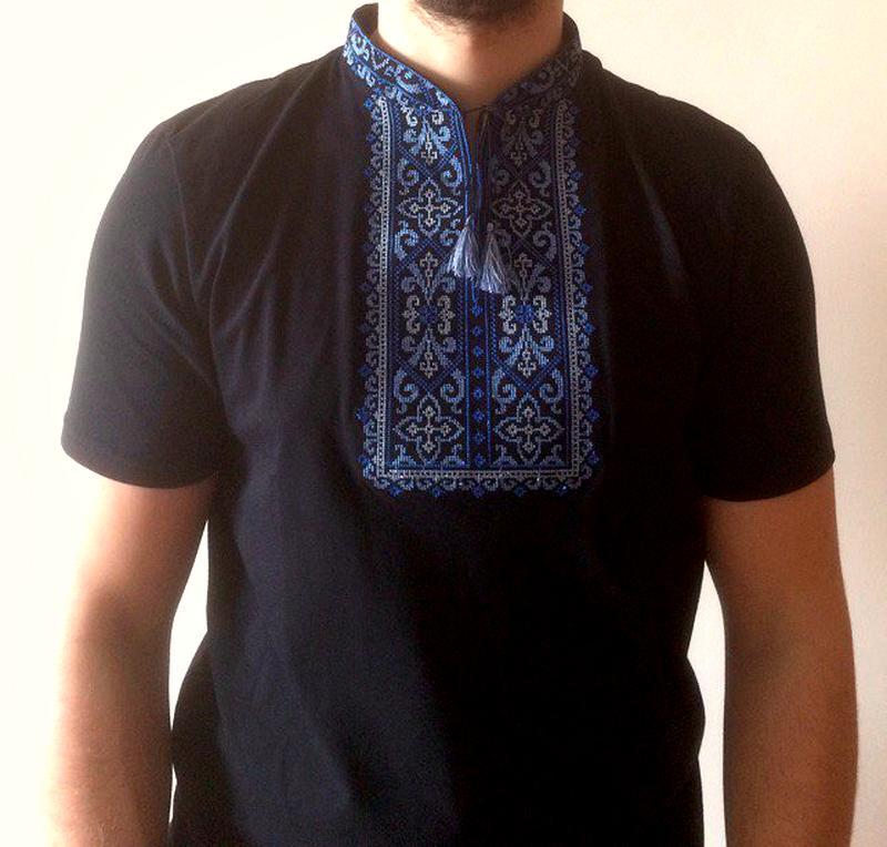 Красивая мужская вышиванка 92380c776eb07