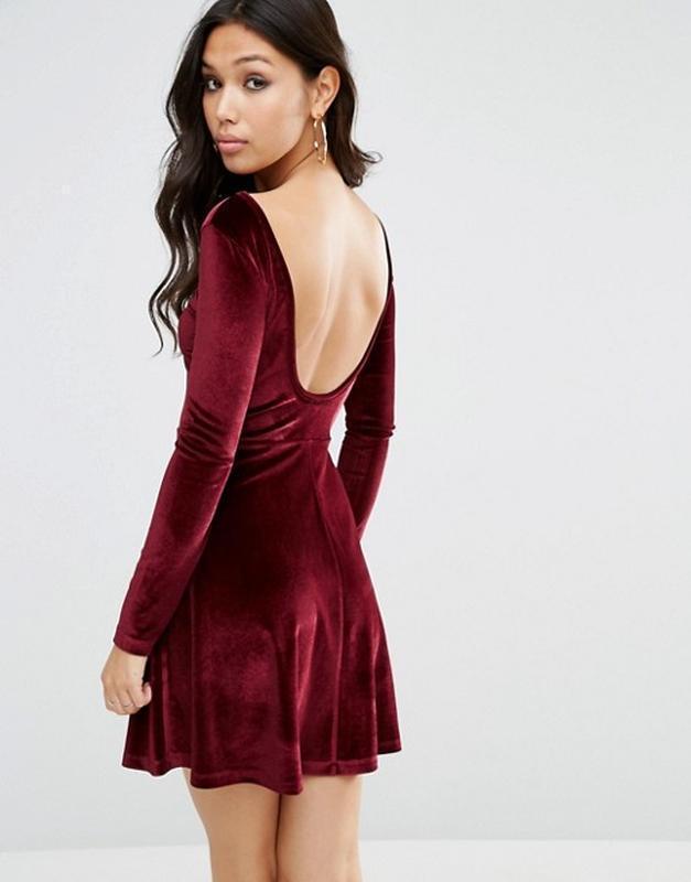 61dae6cb834 Бархатное короткое приталенное платье с круглым вырезом сзади asos а10921  фото ...