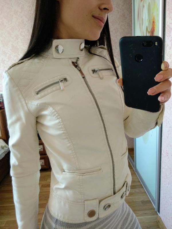 67e87557916 Красивая белая кожаная куртка