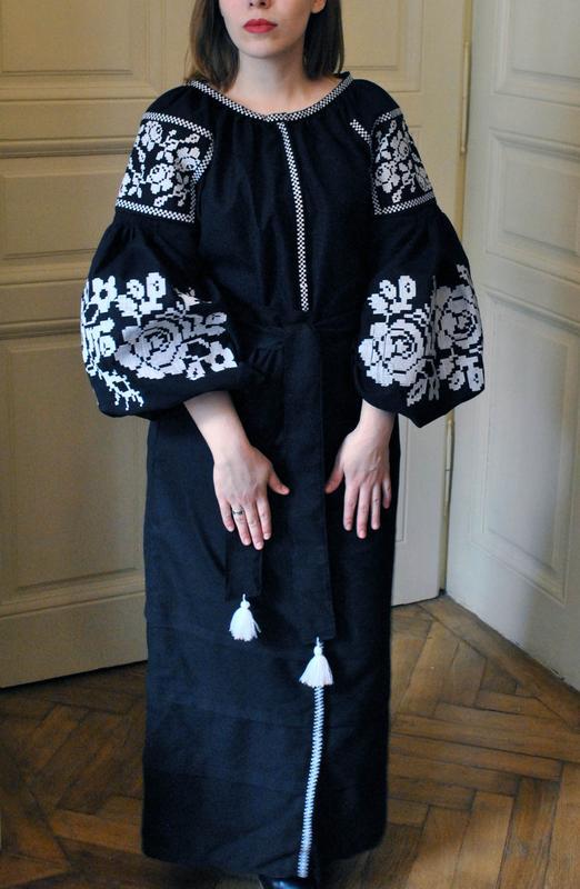 01a8c2015b8845 Черное платье вышиванка из льна в стиле бохо с цветочной вышивкой!1 фото ...