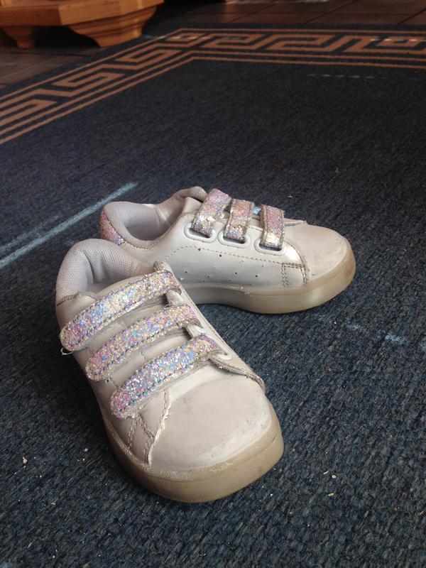 Белые кроссовки с мигающей подошвой шалунишка 25 26 27 размер1 ... 0dc37c0b68db1