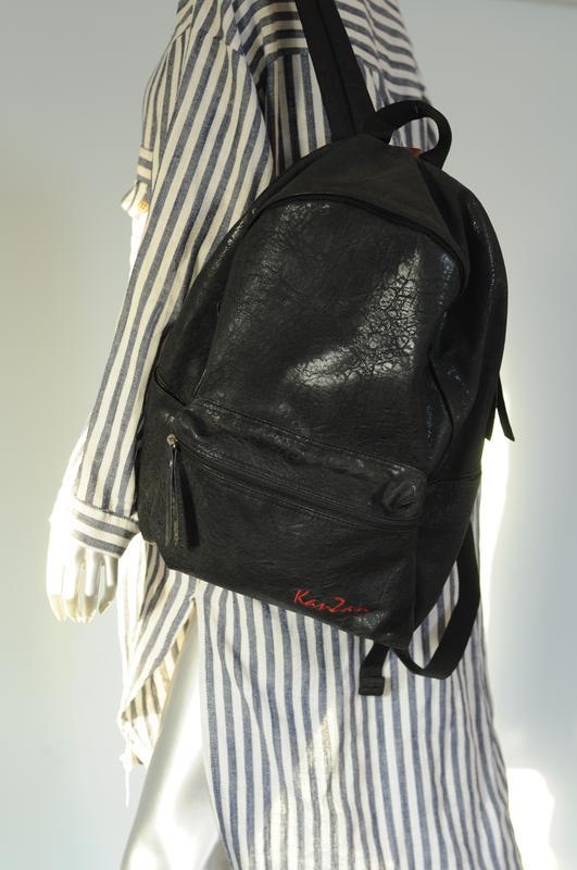 4688fd00be28 Рюкзак ,экокожа,кожзам, черный ,новый и качественный. лучшая цена!1 ...