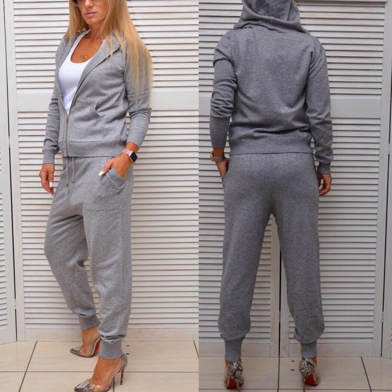 Серый тёплый спортивный костюм на молнии с капюшоном, цена - 1800 ... 25dcb4a5b7f