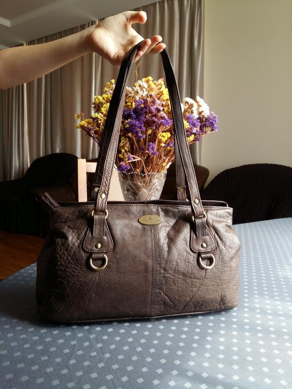 Кожаная коричневая сумка фирмы rowallan в новом состоянии Leather ... bdaf7bc21f497
