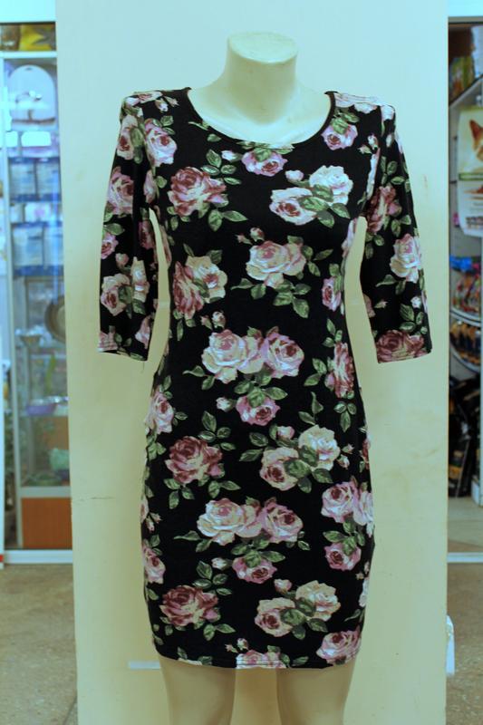 Платье new look по фигуре силуэт облегающее до колена футляр цветочный принт  розы xs-s1 ... e5bbe3733b6e0