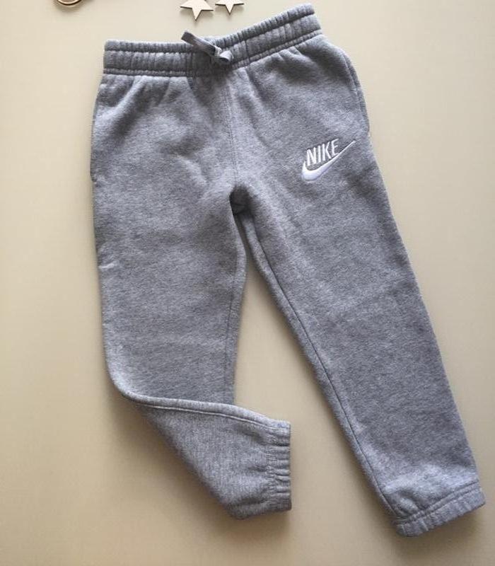 d74bfeaa Серые спортивные штаны nike на девочку 5-6 лет Nike, цена - 280 грн ...