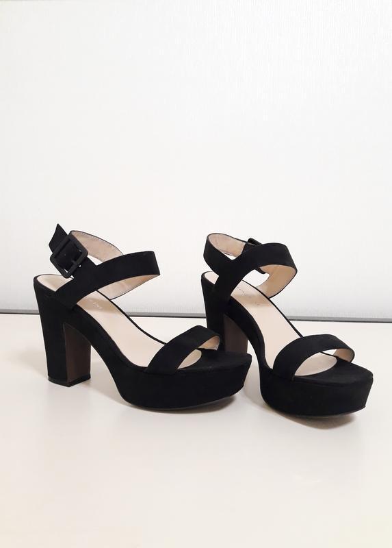 Чёрные замшевые открытые туфли, босоножки на устойчивом каблуке carlo  pazolini 381 ... 6f300fd1dba
