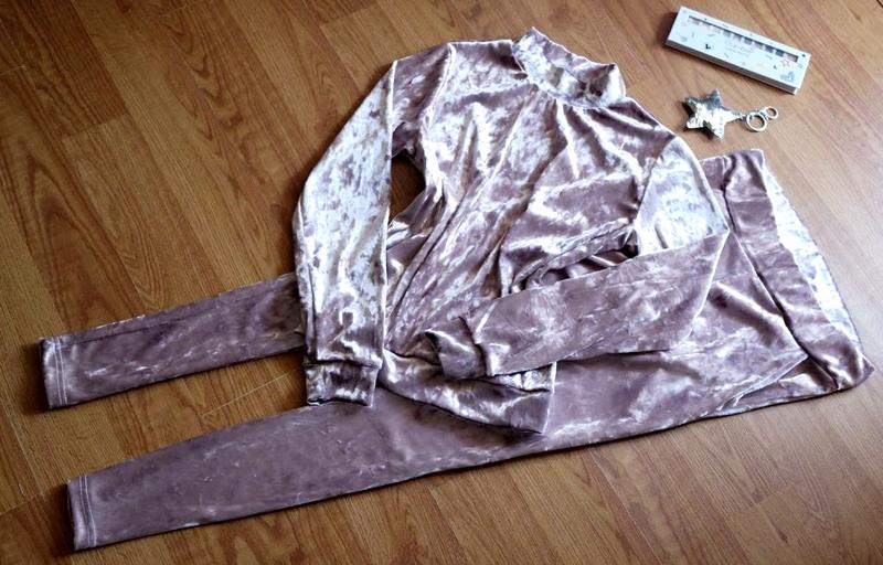 46d2d0f7 ... мрамор1 фото · Ультрамодный мраморный велюровый женский спортивный  костюм велюр мрамор2 фото ...