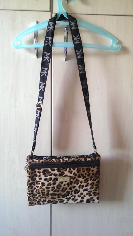 60320051b9d0 Леопардовая небольшая сумка, клатч michael kors Michael Kors, цена ...