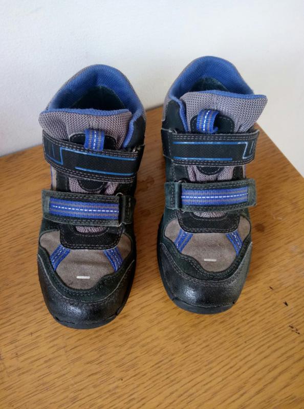 f48eb90c Демисезонные ботинки отличной фирмы