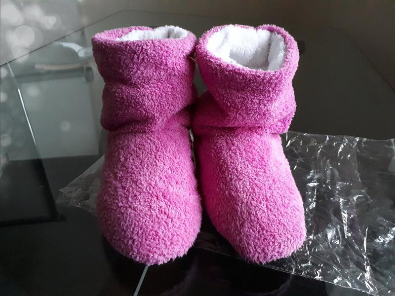 12fb465e46e2d ... Мягкие меховые тапочки - домашние сапожки, розовые, новые!2 фото ...