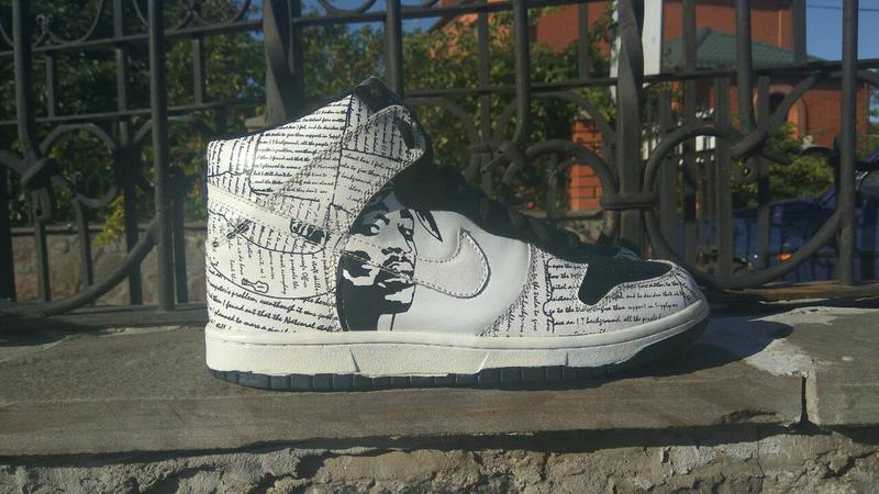 hot sales 8349e d9892 ... Кроссовки nike rapper 2pac nike dunk tupac amaru shakur high tops  shoes2 фото ...