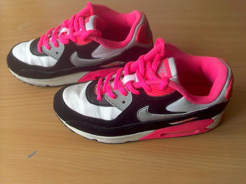 Кроссовки найк (nike). р.34 длина стельки 22 см. Nike 2959bb2da5075