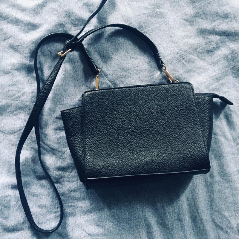 84cd283e57af Модный клатч с золотой фурнитурой , сумка кросс боди (только продажа)1 ...