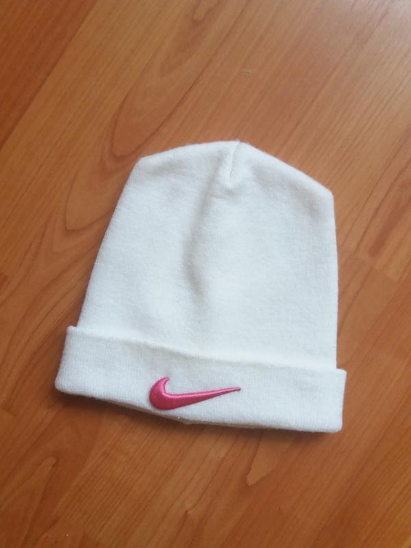 acaec295 Белая шапка