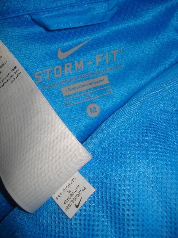 576f3d6c ... Женская беговая ветровка трансформер nike storm-fit жилетка дождевик4  фото