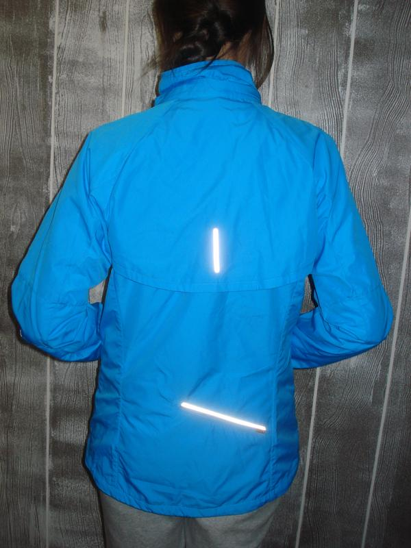 0f2cfab4 ... Женская беговая ветровка трансформер nike storm-fit жилетка дождевик2  фото ...