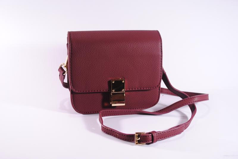 9271e3d44d8f Маленькая сумочка через плечо бордового цвета, цена - 490 грн ...