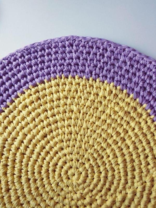 вязаный круглый коврик фиалка цена 500 грн 16466850 купить
