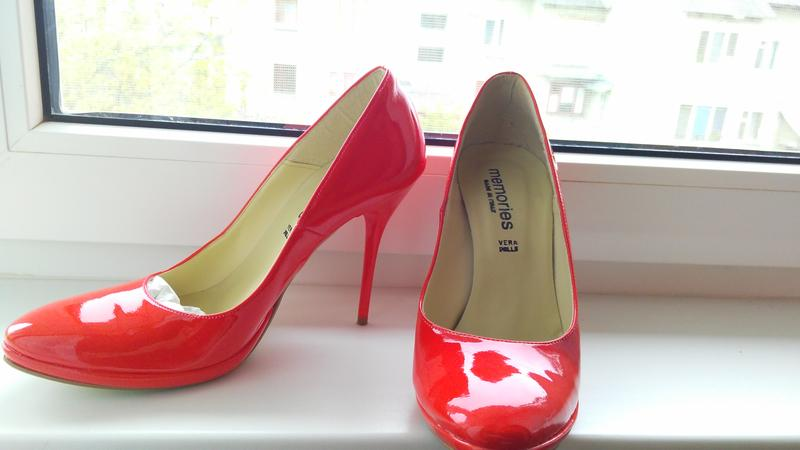 Модні лакові червоні туфлі 39 розмір на високому каблуку1 ... d673a80ac587e