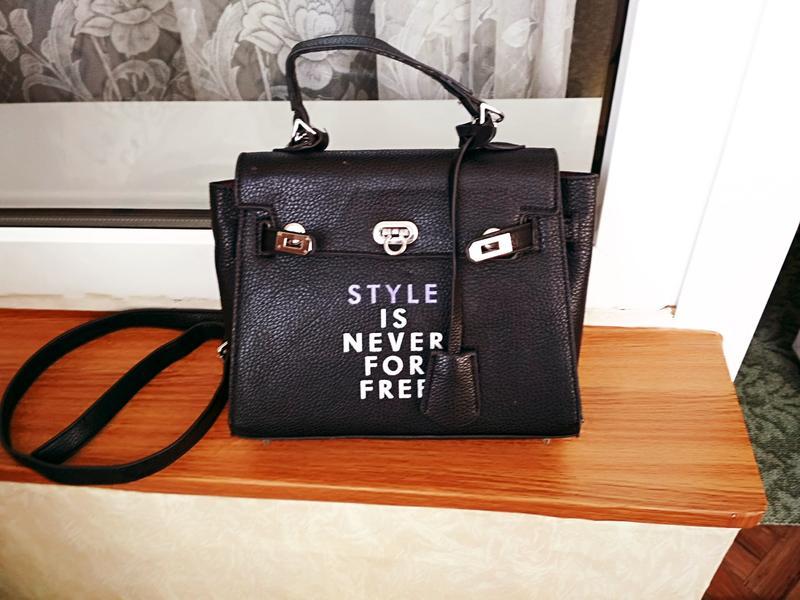 Классная сумка hermes с надписью кроссбоди Hermes, цена - 200 грн ... 5dba2457720